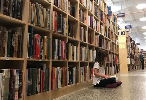Книголюбы: где встретиться с писателями, почитать и обсудить